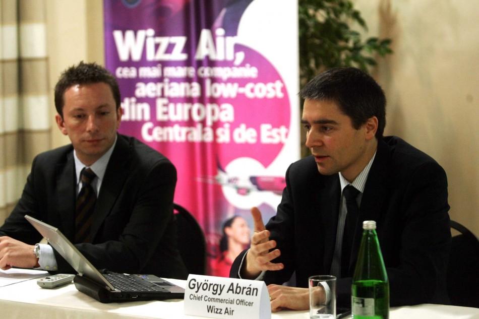Sedusi si hartuiti, ungurii de la Wizz Air ii fac cadou lui Falca doua aeroporturi.